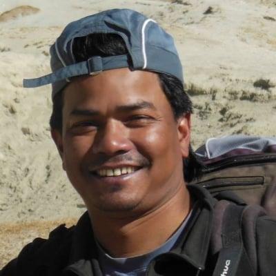 Chauhan Chhatra guide accompagnateur de voyage au Népal