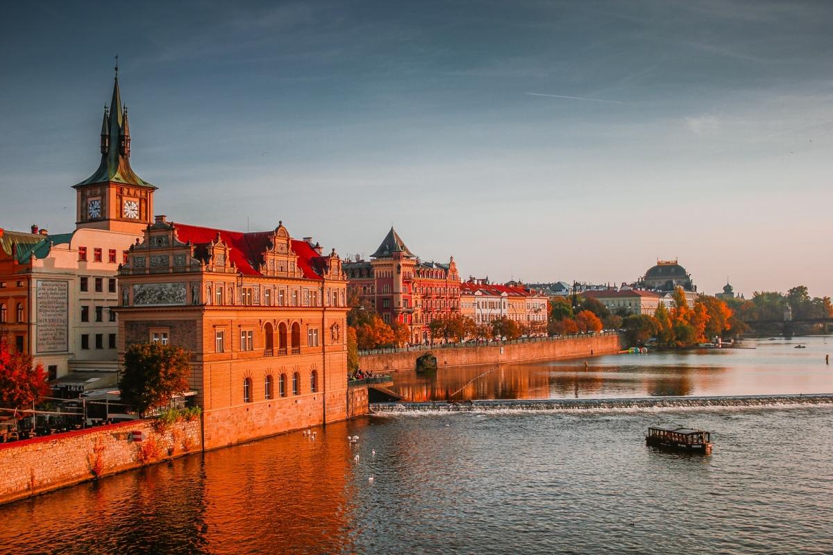 Partez pour Prague, la somptueuse ville dorée