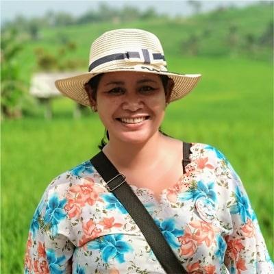 Ni Wayan Murniasih guide accompagnatrice de voyage à Bali
