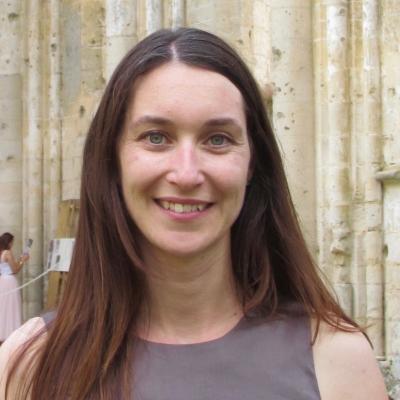 Aline Senehal guide accompagnatrice de voyage dans la région des chanteaux de la Loire