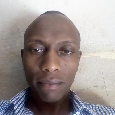Simon Wambugu guide accompagnateur de voyage au Kenya
