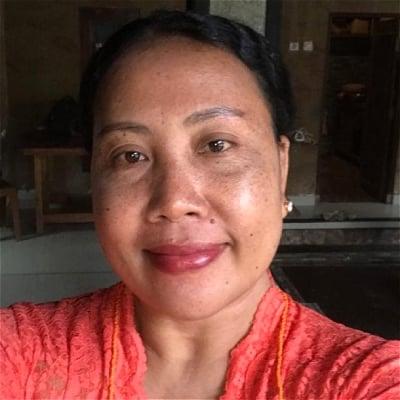 Gusti Ayutri Apti guide accompagnatrice de voyage à Bali