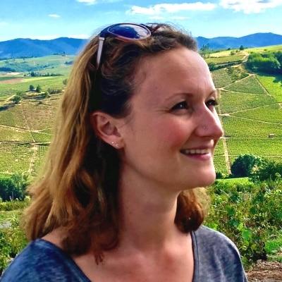 Julie Tran guide accompagnatrice de voyage en Auvergne