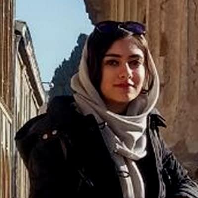 Mahdiyeh khorshidi guide accompagnatrice de voyage en Iran