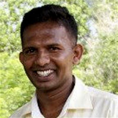 Suresh Rupasinghe guide accompagnateur de voyage au Sri Lanka