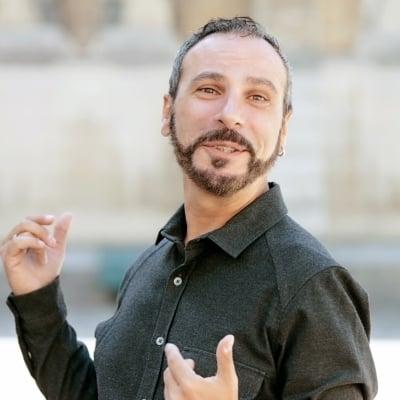 Daniele Scherma guide accompagnateur de voyage à Paris