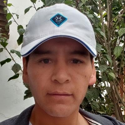 Bryan Wilbert Quispe guide accompagnateur de voyage au Pérou