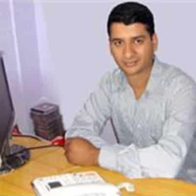Kumar Dahal guide accompagnateur de voyage au Népal