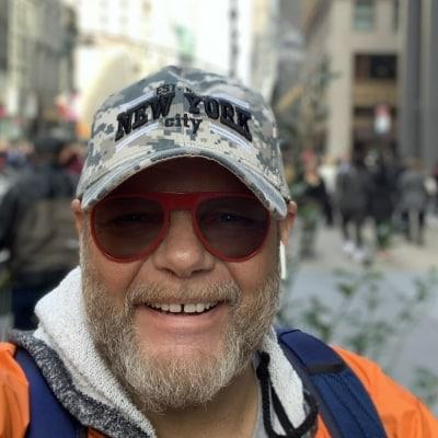 Ferry Van Lier guide accompagnateur de voyage à New York