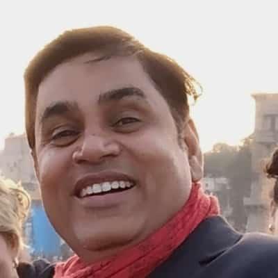 Vimal Pathak guide accompagnateur de voyage à Varanasi et dans l