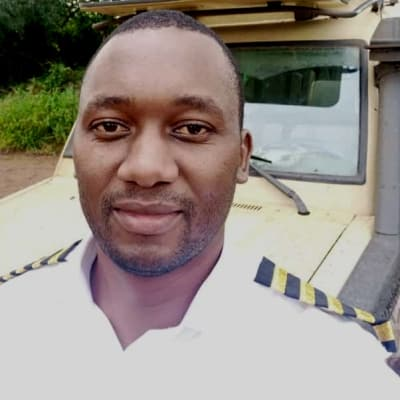 Mathias Kabalo guide accompagnateur de voyage en Tanzanie