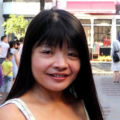 Jin Xu guide accompagnatrice de voyage a Shanghaï