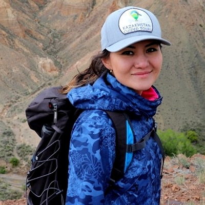 Madina Meldekhanova guide accompagnatrice de voyage au Kazakhstan