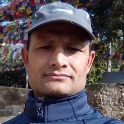 Dak Bahadur Karki guide accompagnateur de voyage au Népal