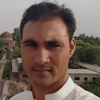 Muhammad Anwar Shah guide accompagnateur de voyage aux Émirats Arabes Unis