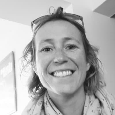 Nathalie Lassegues guide accompagnatrice de voyage à Bordeaux