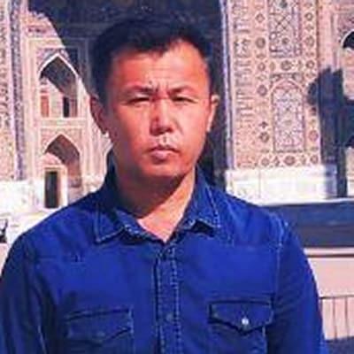 Ruslan Kholmirzaev guide accompagnateur de voyage en Ouzbékistan