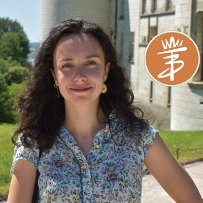Bérénice Tarcher guide accompagnatrice de voyage dans la région des chanteaux de la Loire