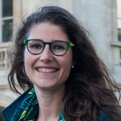 Diane Roussel guide accompagnatrice de voyage à Bordeaux