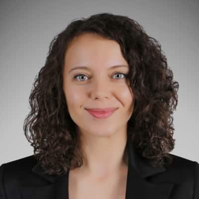 Büşra Merve Kan guide accompagnatrice de voyage en Turquie