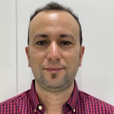 Khaled Khemiri guide accompagnateur de voyage aux Émirats Arabes Unis